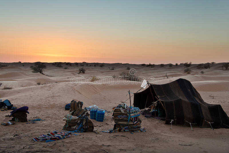 Tenda beduina tradizionale, deserto del Sahara fotografie stock
