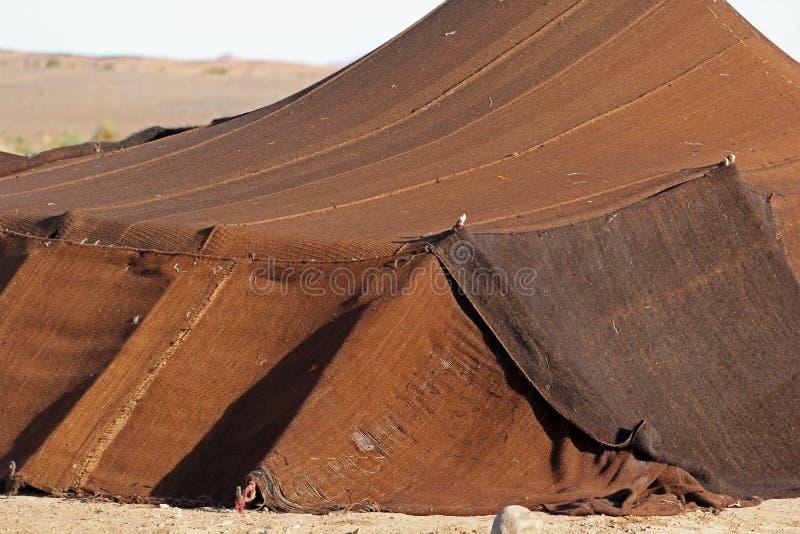 Tenda beduina trovata nel deserto del Sahara immagine stock