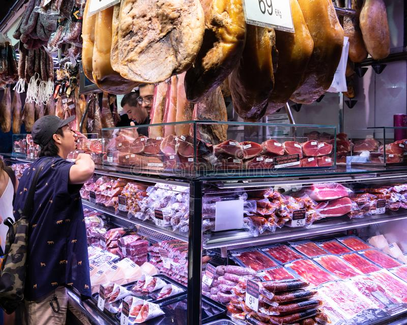 Tenda da carne em mercados de Rambla do La fotos de stock royalty free