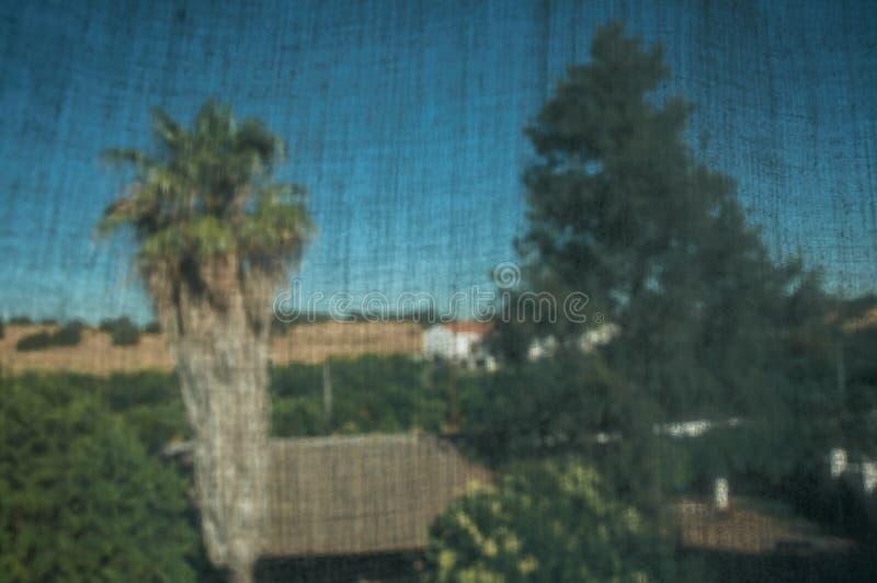 Tenda davanti al paesaggio della campagna immagini stock