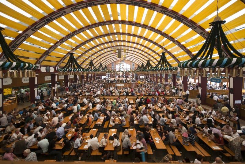 Tenda di Oktoberfest immagine stock