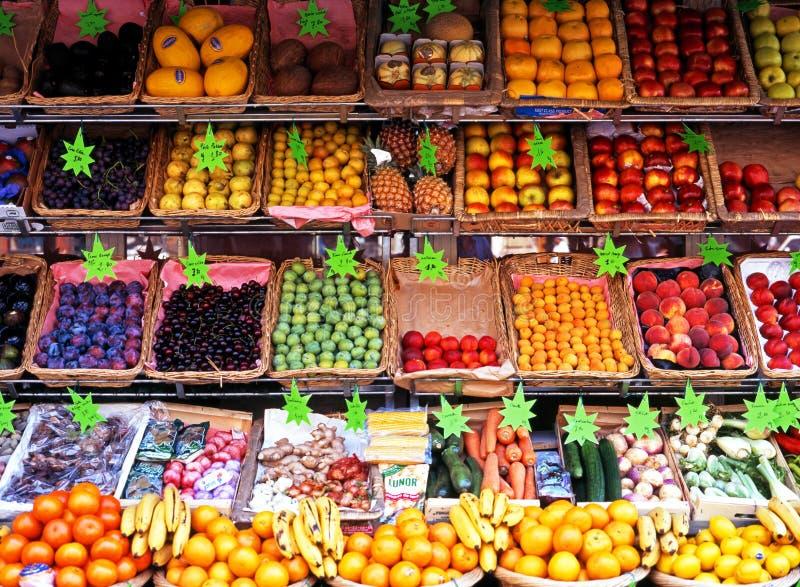 Tenda do fruto e do veg, Paris imagens de stock royalty free