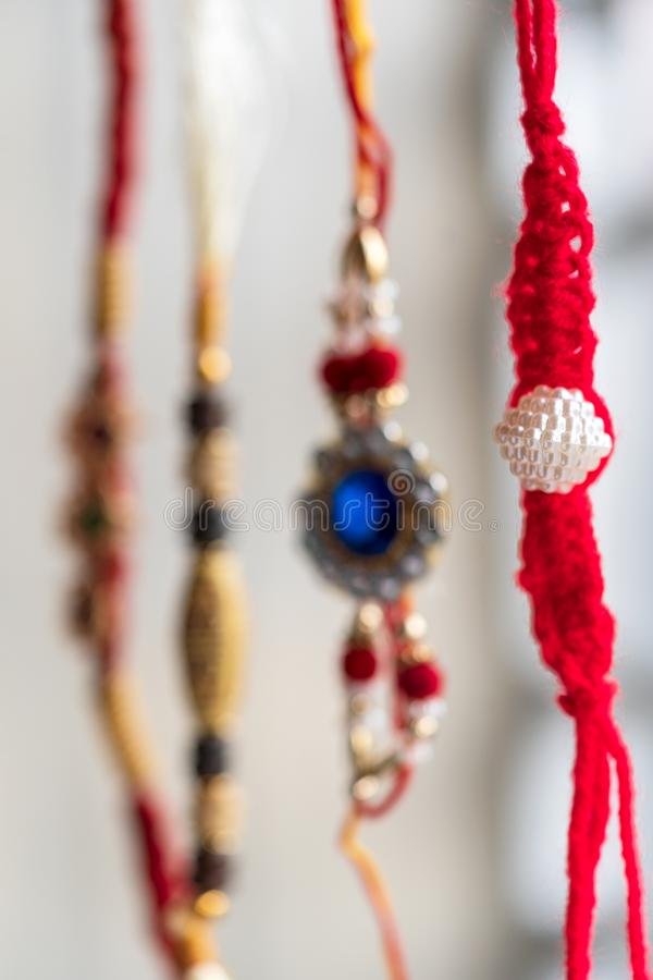 Tenda feito a mão de Rakhi Hanging In A fotografia de stock