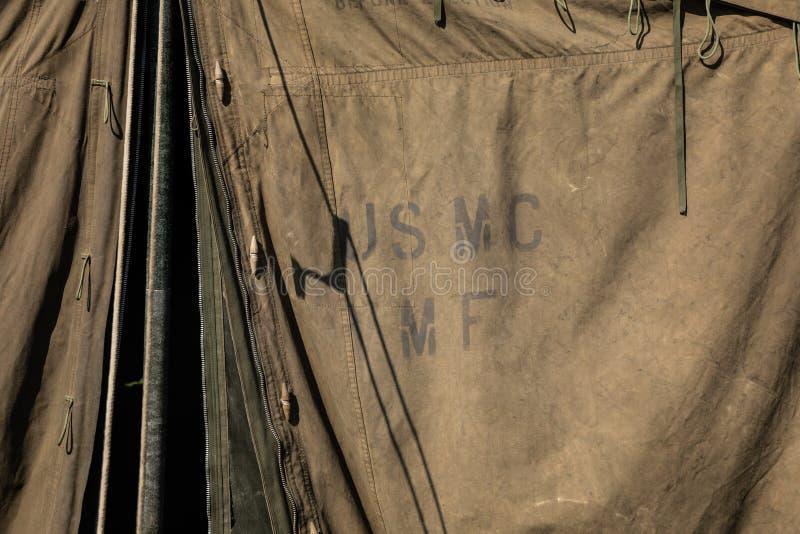Tenda militare verde con il USMC immagine stock libera da diritti