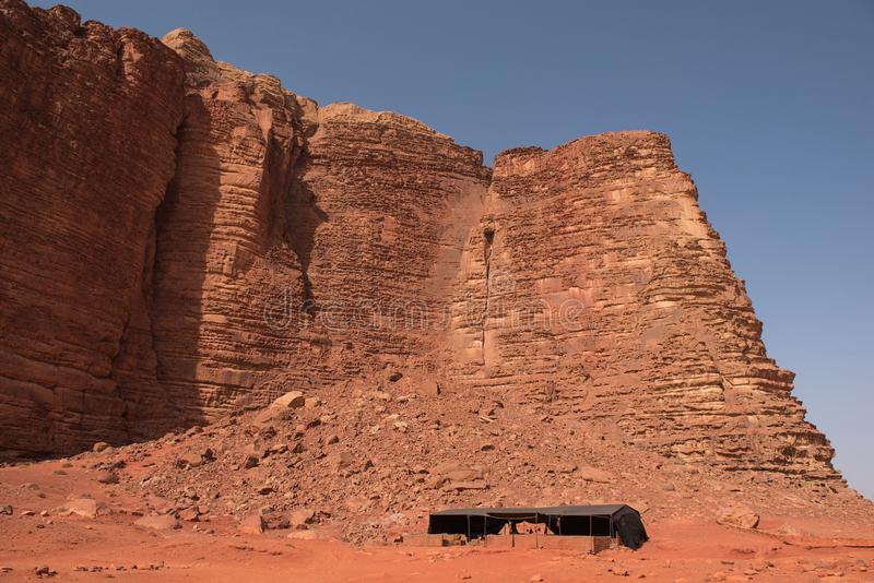Tende beduine, campo nel deserto Rum dei wadi, Giordano fotografia stock