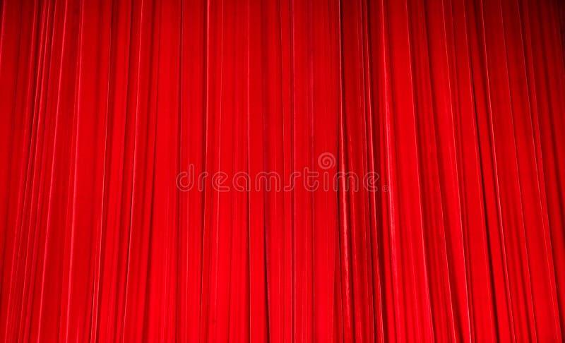 Tende rosse del teatro del velluto fotografia stock libera da diritti