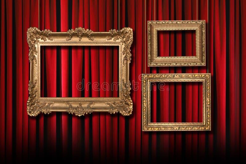 Tende rosse del teatro della fase con   immagine stock libera da diritti