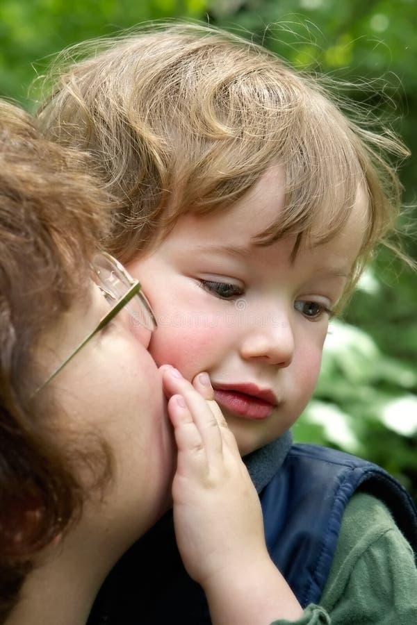 Tendresse à l'enfant photos stock