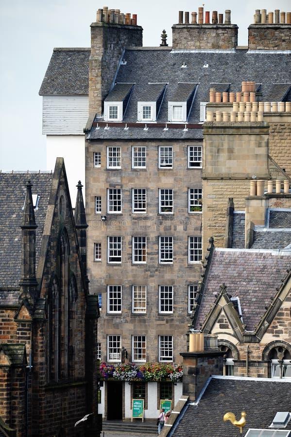 tenement för kunglig person för edinburgh lawnmarketmile fotografering för bildbyråer