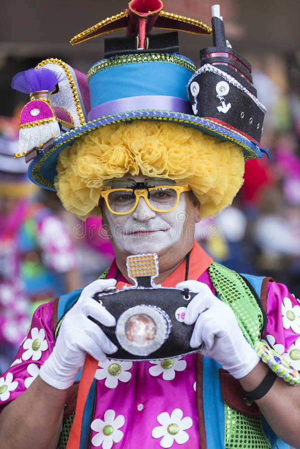 TENERIFE, ΣΤΙΣ 9 ΦΕΒΡΟΥΑΡΊΟΥ: Χαρακτήρες και ομάδες στο καρναβάλι στοκ φωτογραφίες με δικαίωμα ελεύθερης χρήσης