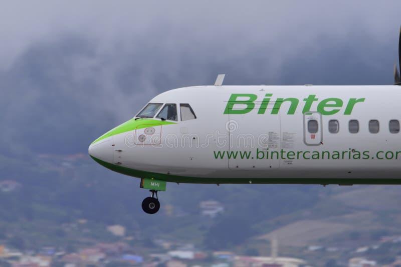 TENERIFE O 9 DE JULHO: Aterrissagem plana, o 9 de julho de 2017, canário de Tenerife fotografia de stock royalty free