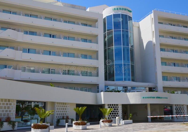Teneriffa, Kanarische Inseln, Spanien - 5. August 2018 Ansicht von ¡ Iberostar SÃ bila - stilvolles Luxusfünf-sternehotel der Erw lizenzfreie stockfotos
