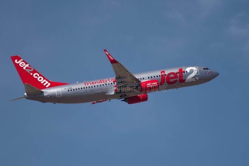 Teneriffa, Spanien 02 14 Fliegen mit 2019 Flugzeugen Fluglinien Jet2 Boeings 737 im blauen Himmel lizenzfreie stockfotografie