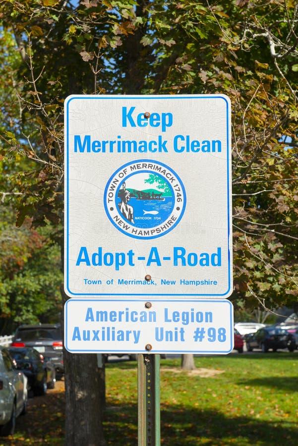 Tenga il segnale stradale pulito di Merrimack, Merrimack, il NH, U.S.A. immagini stock libere da diritti