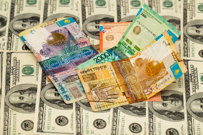 Tenge kazakh et U S Dollars images stock
