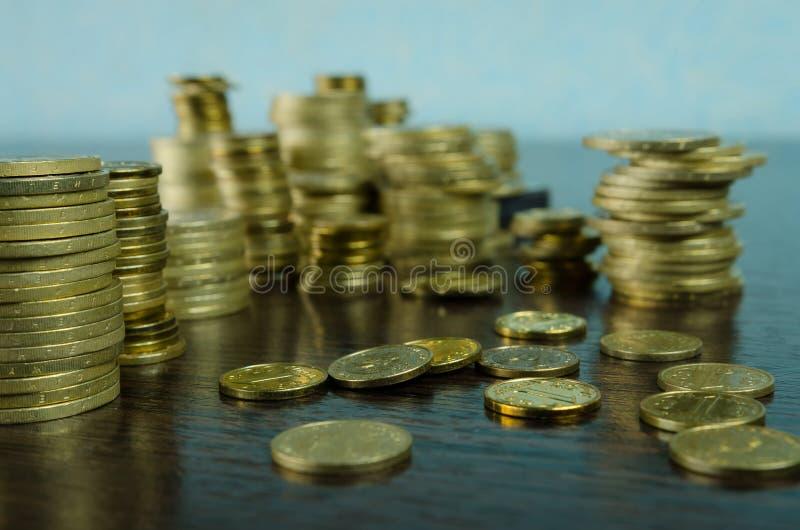 Tenge - pièces de monnaie nationales de Kazakhstan photographie stock