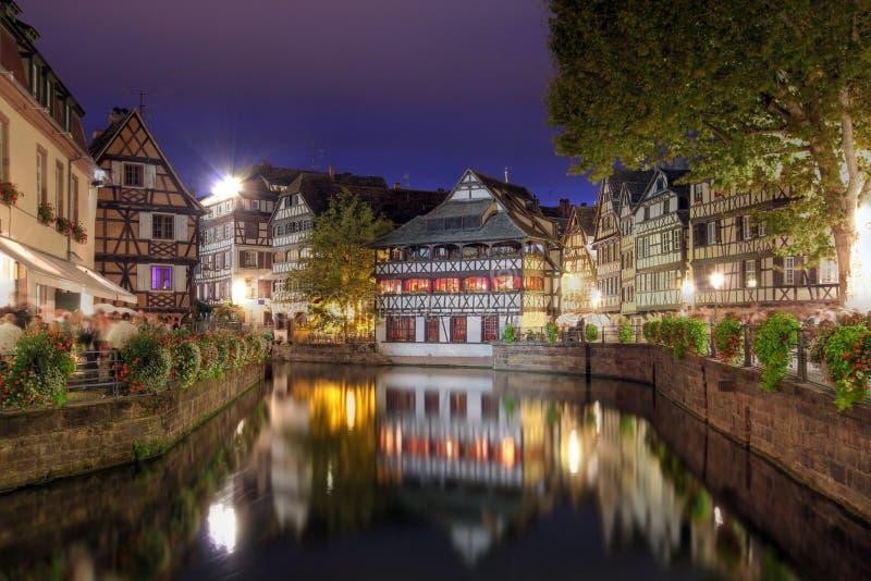 Tenger-Frankrijk bij nacht, Straatsburg, Frankrijk stock foto