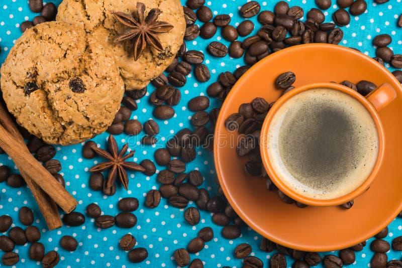 Tenha um dia agradável, o bom dia com xícara de café e a farinha de aveia co imagens de stock
