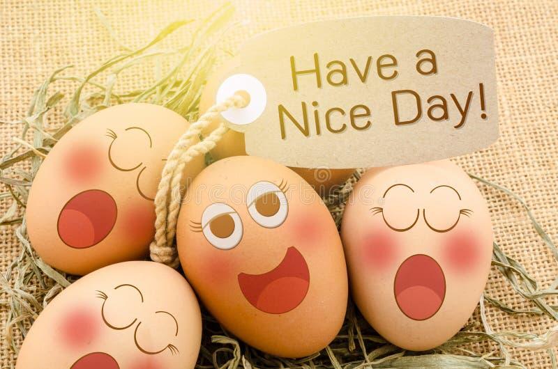 Tenha um sono agradável dos ovos da cara do cartão e do sorriso do dayg fotografia de stock royalty free