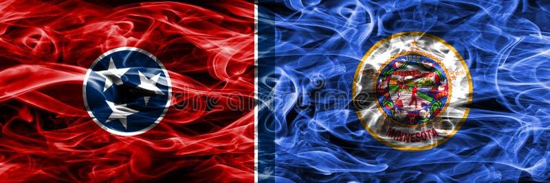 Tennessee contra las banderas coloridas del humo del concepto de Minnesota colocadas de lado a lado ilustración del vector