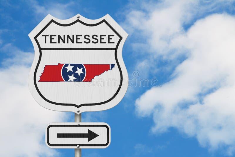 Tennessee-Karte und Zustandsflagge auf einem USA-LandstraßenVerkehrsschild lizenzfreie abbildung