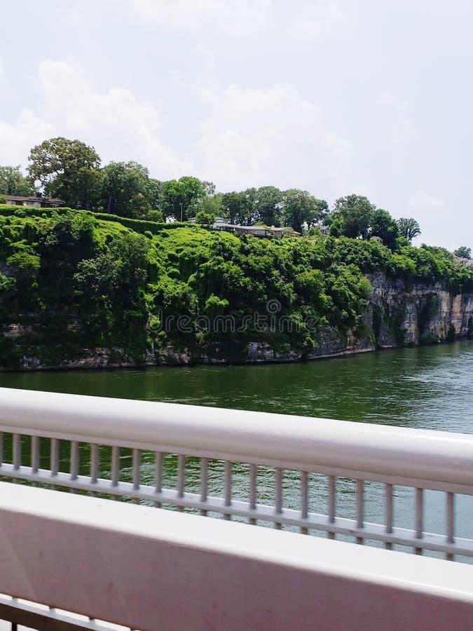 Tennessee River vaggar väggen arkivbild