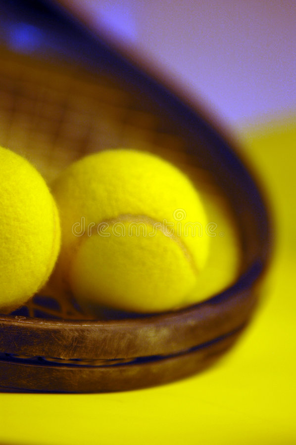 Download Tennis immagine stock. Immagine di giochi, yellow, sport - 203203