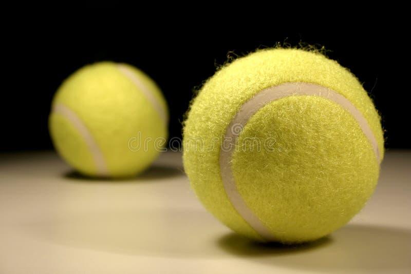 Tennis-Kugeln III lizenzfreie stockbilder