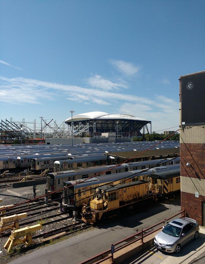 Tennis, Louis Armstrong Stadium Under Construction opzij Arthur Ashe Stadium van Corona Rail Yard, NYC, NY, de V.S. royalty-vrije stock fotografie