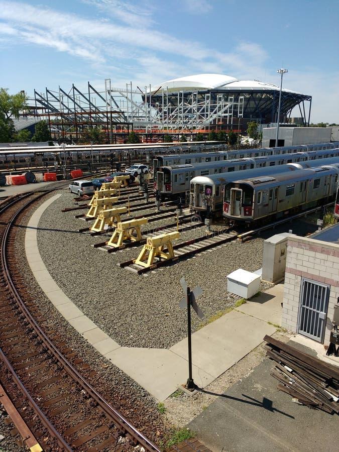 Tennis, Louis Armstrong Stadium Under Construction opzij Arthur Ashe Stadium van Corona Rail Yard, NYC, NY, de V.S. stock afbeelding