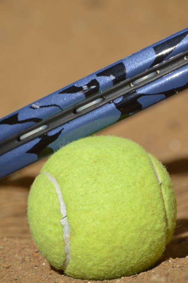 Tennis opleiding in wildernis royalty-vrije stock afbeelding