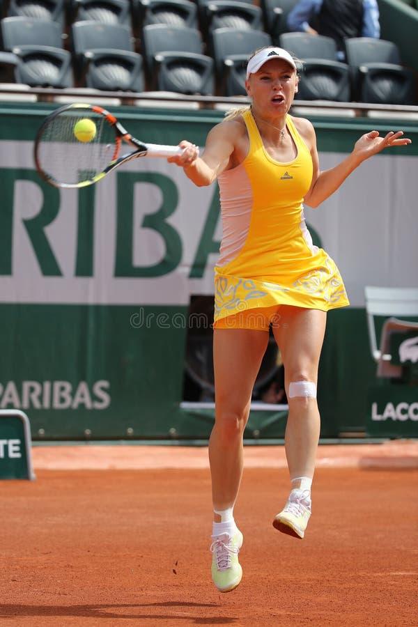 Tennis professionista Caroline Wozniacki della Danimarca durante la sua terza partita del giro a Roland Garros fotografie stock libere da diritti