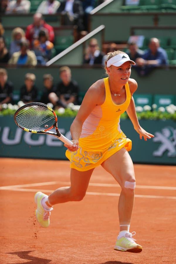 Tennis professionista Caroline Wozniacki della Danimarca durante la sua terza partita del giro a Roland Garros fotografia stock libera da diritti