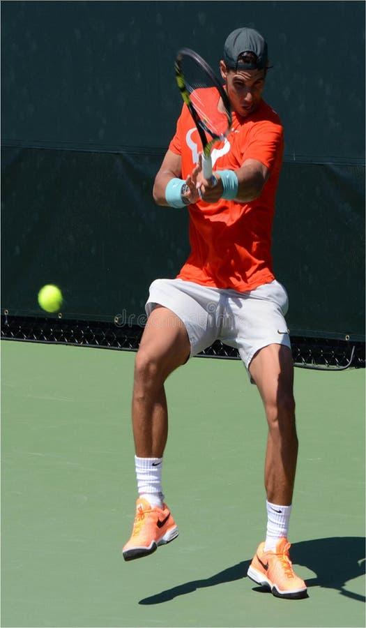 Tennis spagnolo Raphael Nadal Hitting Forehand fotografie stock libere da diritti