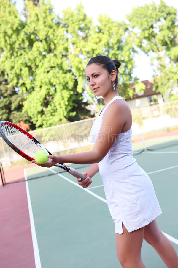 Download Tennis Woman Ready To Serve Stock Image - Image: 11443143