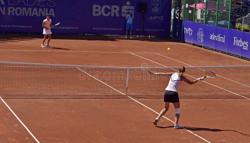Tennisnettoduell lizenzfreies stockbild