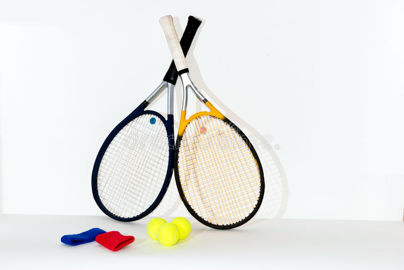 Tennisracket, boll royaltyfria bilder