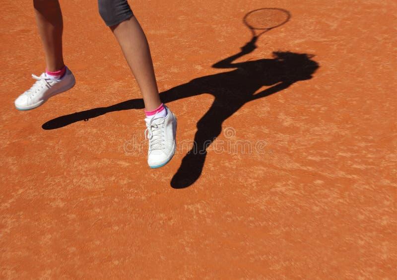 Tennisschatten lizenzfreies stockbild