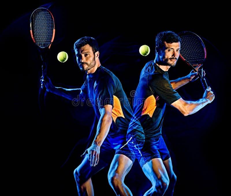 Tennisspelaremanljus som målar isolerad svart bakgrund royaltyfri foto