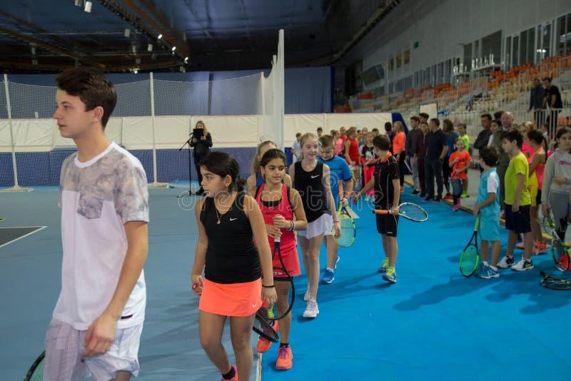 Download Tennistoernooien Voor Prijzen Van Elena Vesnina Redactionele Fotografie - Afbeelding bestaande uit voor, heden: 107704872