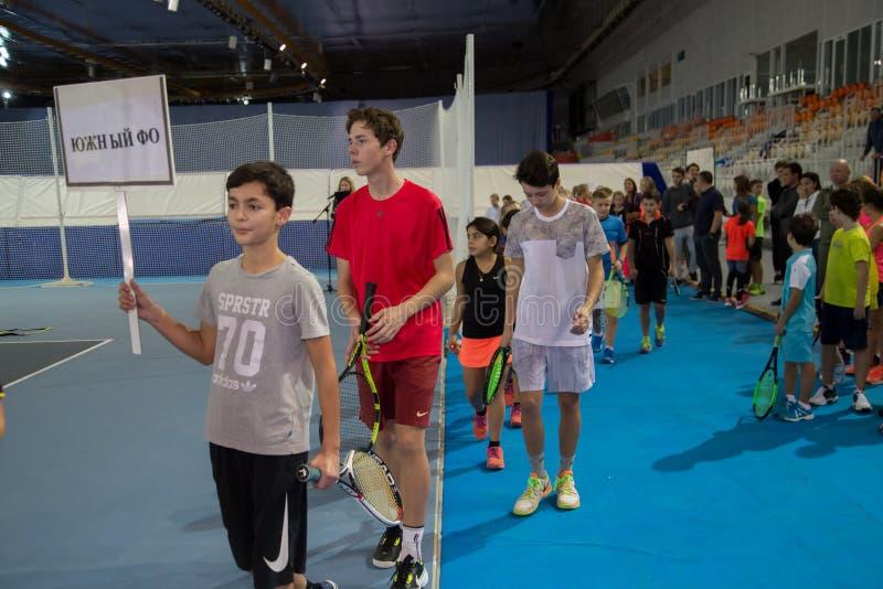 Download Tennistoernooien Voor Prijzen Van Elena Vesnina Redactionele Fotografie - Afbeelding bestaande uit toernooien, vervoering: 107704882