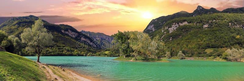 Tenno del lago un lago della montagna in Italia immagini stock