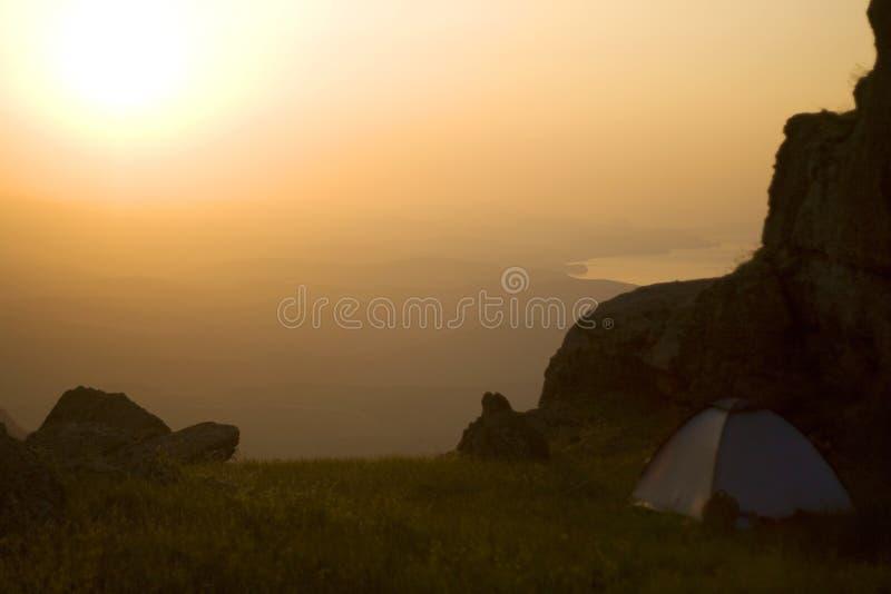 Tent in de bergen royalty-vrije stock foto's