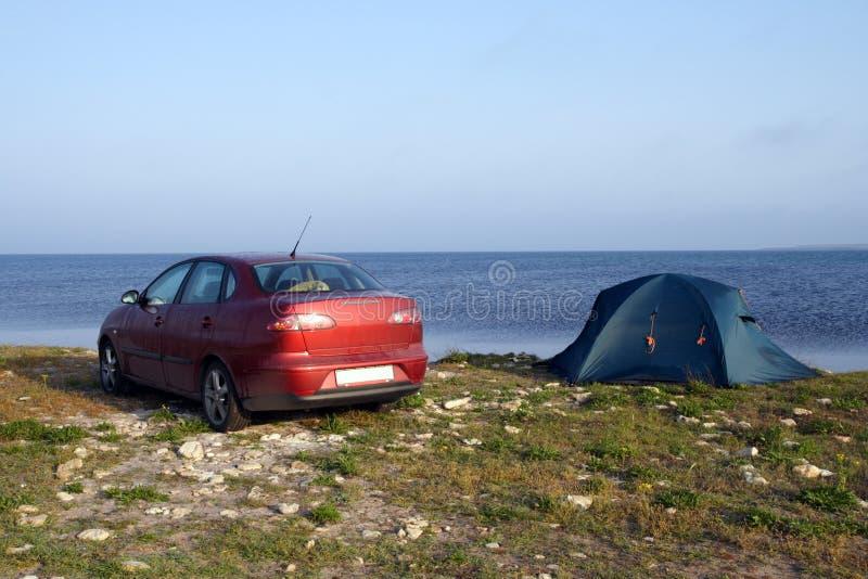Tent en auto royalty-vrije stock afbeelding