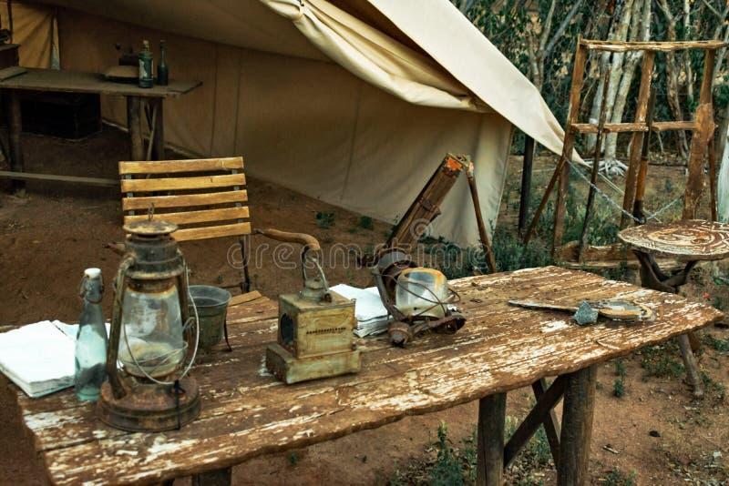 Tente de scout, exhibée chez Terra Natura photo libre de droits