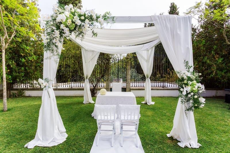 tente pour jardin tente de rangement jardin housse de protection abri pour velo impermeable. Black Bedroom Furniture Sets. Home Design Ideas