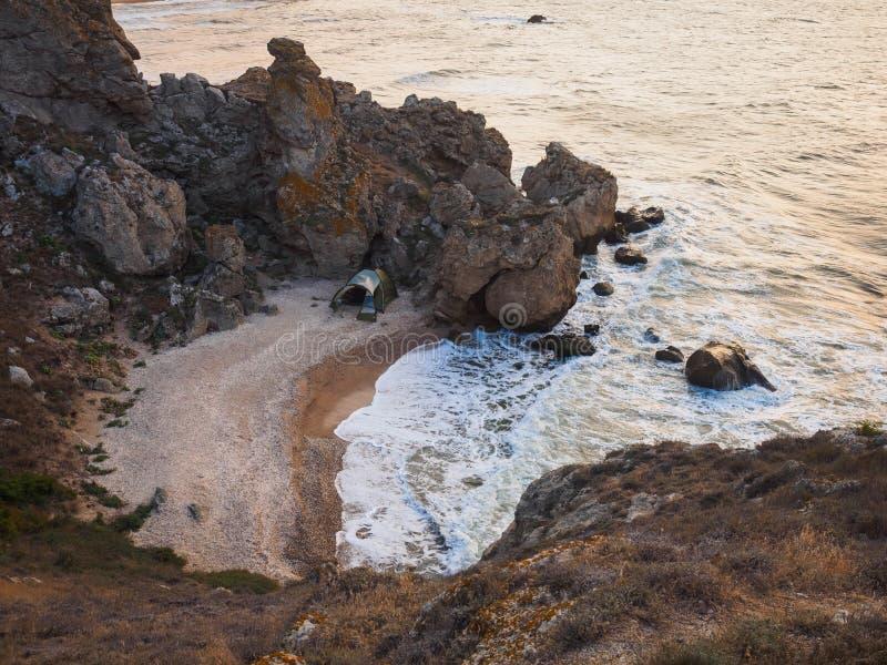 Tente par la mer photographie stock libre de droits