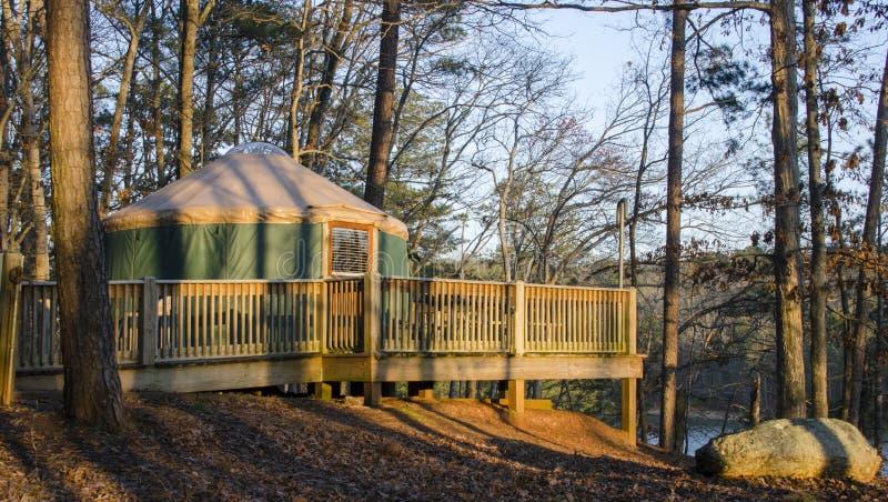 Tente Yurt campant, parc d'état de montagne d'agrostide blanche, la Géorgie, Etats-Unis photos stock