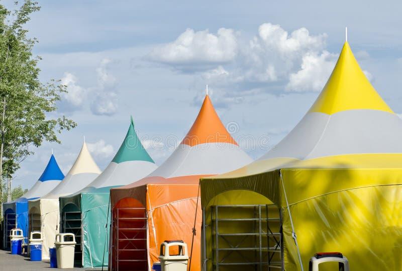 Tentes colorées photographie stock libre de droits