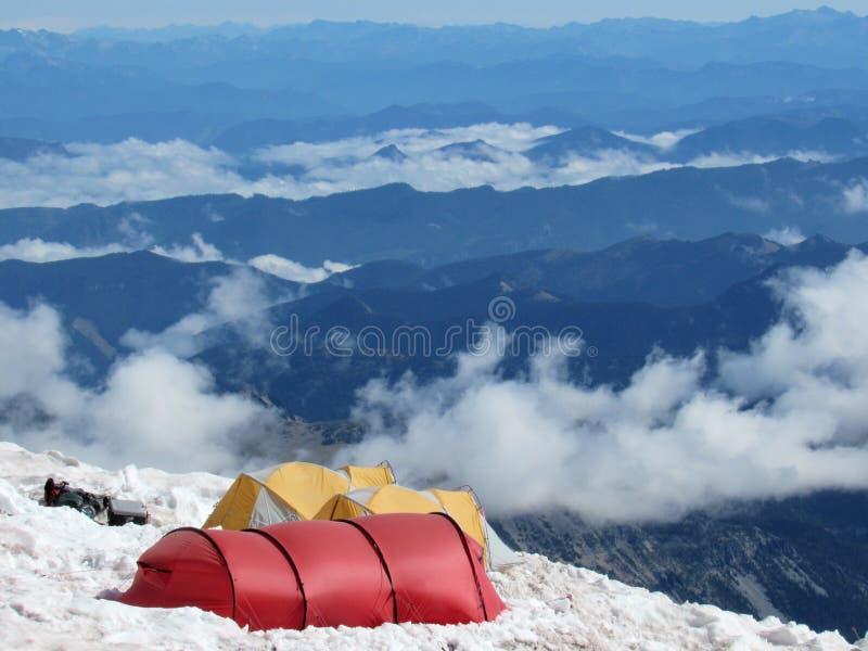 Tentes de montagne images libres de droits